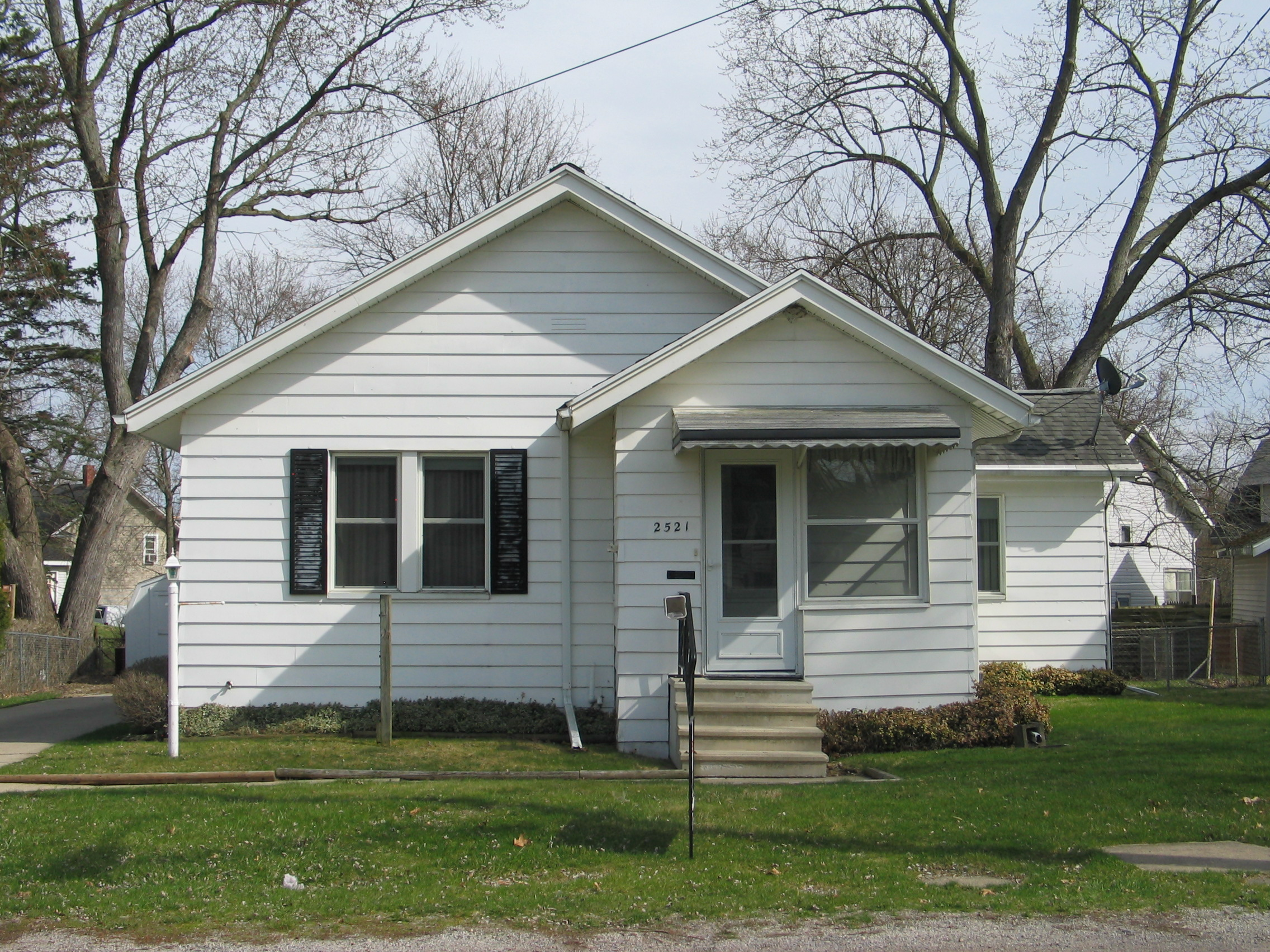 2521 Norwood St., Jackson, MI 49203